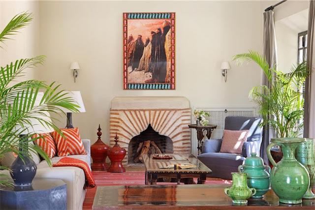 una casa en Marrakech salon con piezas de artesania local chicanddeco