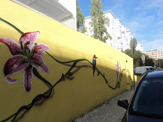 Para este exercicio escolhi fotografar um colégio, numa vivenda em plena  cidade de Lisboa, mais própriamente na Estrada de Benfica. 3e7dc07a76