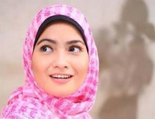 Ghea D'Syawal Pakai Hijab