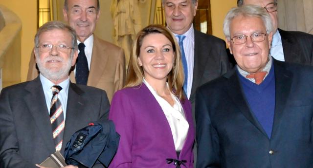 Ibarra (izquierda), Cospedal y Felipe González