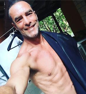 Paulo Zulu posta nudes em rede social sem querer, veja!