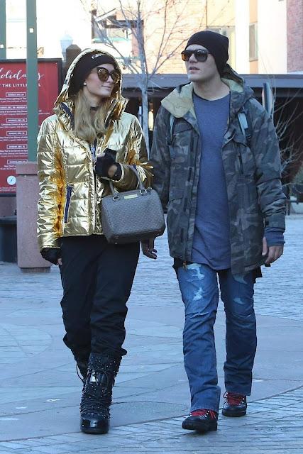 Paris Hilton and Chris Zylka Stroll Image