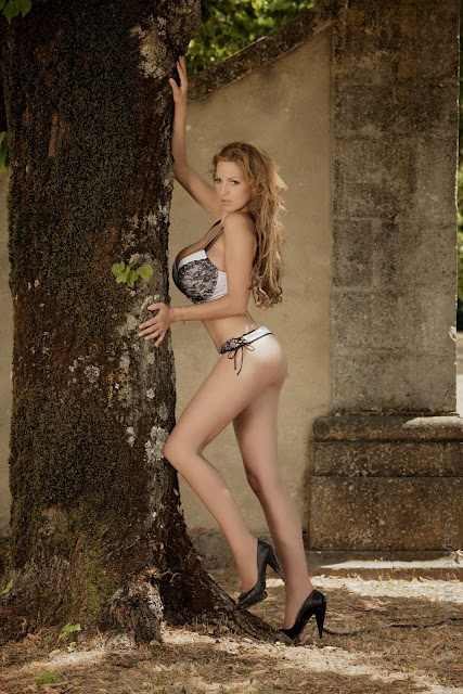 sexiest-Jordan-Carver-Fairy-Tale-hot-photo-shoot-picture-15