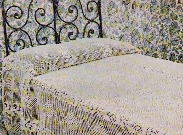 crochet et broderie couvre lit romantique. Black Bedroom Furniture Sets. Home Design Ideas