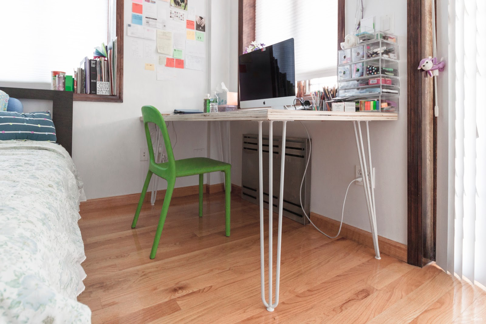 lavlilacs Custom Hairpin Desk 2
