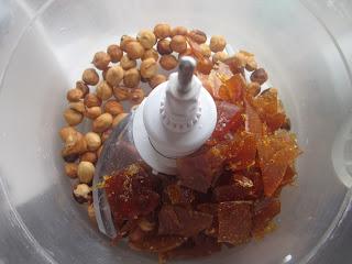 Caramel et noisettes grillées