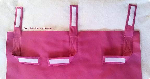 Con hilos, lanas y botones: tutorial guarda libros de tela para colgar en la litera superior