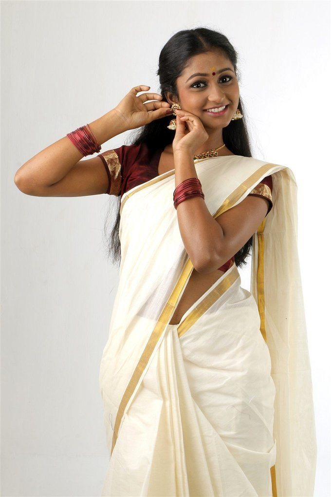 Actress Gayathri Kannan New Photoshoot