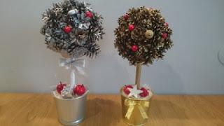 Świąteczne dekoracje - drzewko z szyszek.