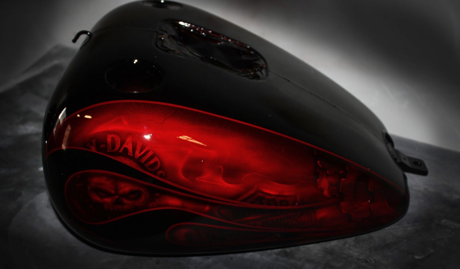 online motorcycle paint shop  candy apple red black flames and skulls