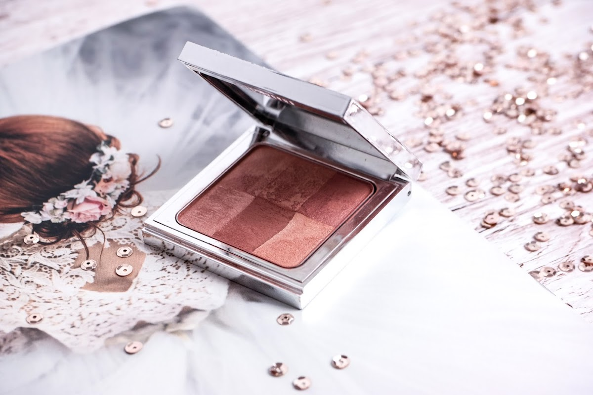 Bobbi Brown Finishing  Powder Bronze Glow