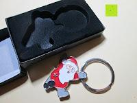 auspacken: Hochwertiger weihnachtlicher Schlüsselanhänger