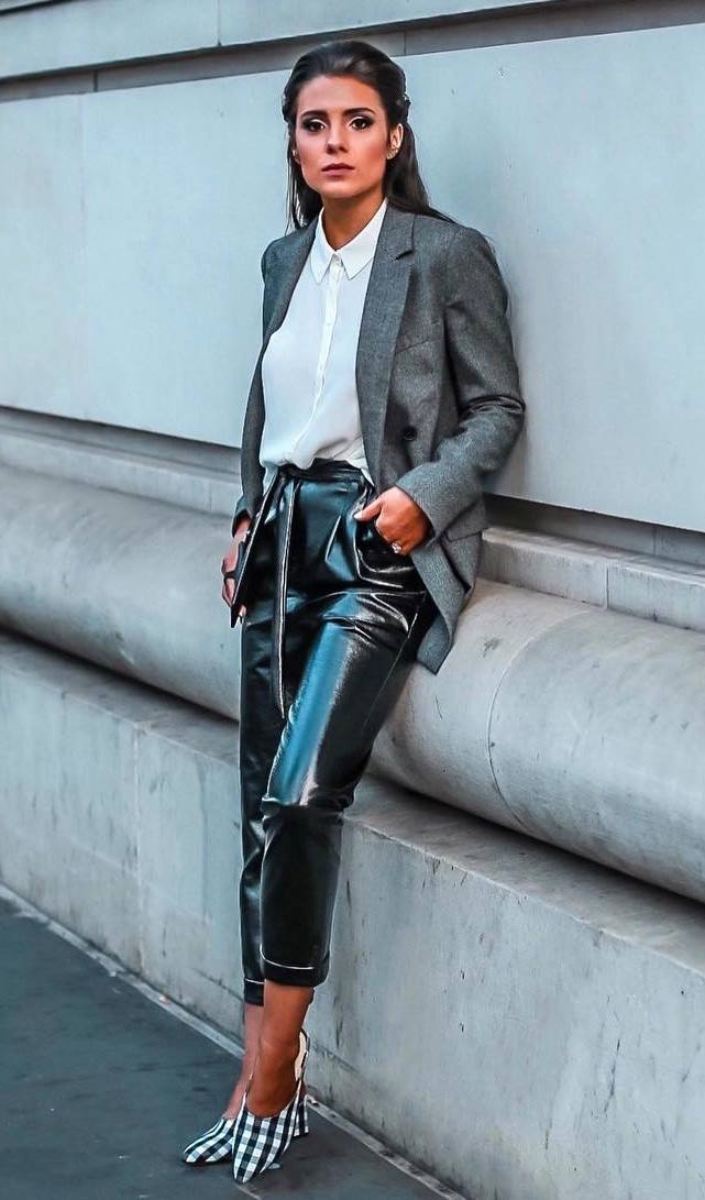 best office outfit idea to wear this fall : grey blazer + leather high waist pants + heels + top
