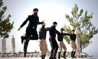 Κρητικοί χόρεψαν τον «βουβό πεντοζάλη του πένθους» για το Ολοκαύτωμα (βίντεο)