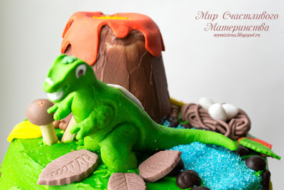 динозавр из мастики