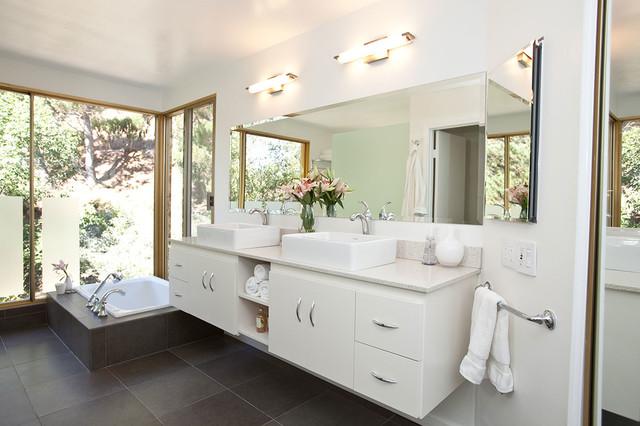 salle de bain modernes avec spa