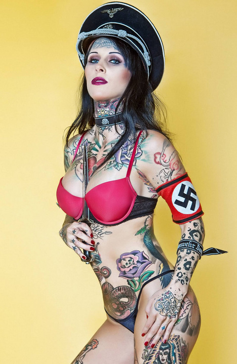 hot nude women with tattoos images