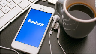TURN YOUR FACEBOOK KNOWLEDGE INTO CASH!