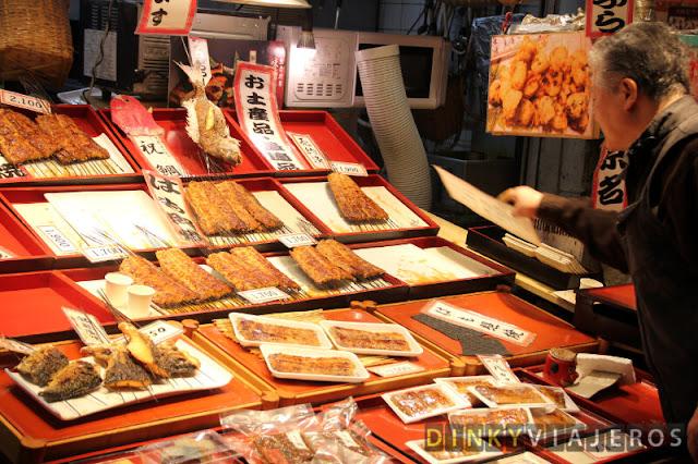 Pescado asado del Nishiki Food Market