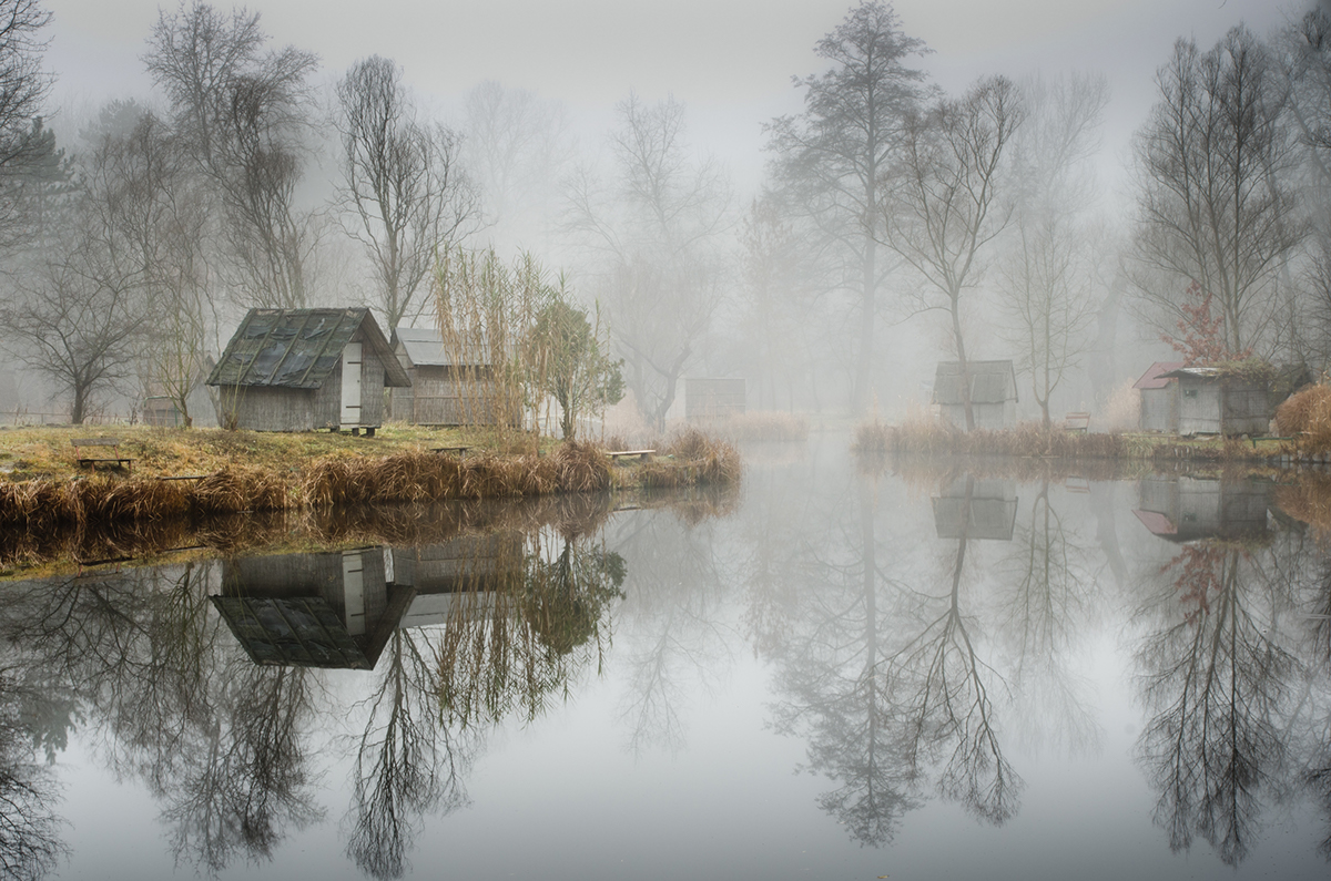 10-Viktor Egyed-Photographs-of-the-Enchanted-Fishing-Village-www-designstack-co