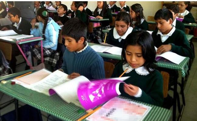 Llevan caso Ayotzinapa a los libros de texto