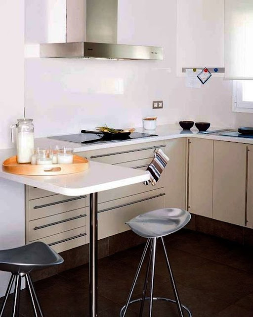 Kitchen With Bar 4