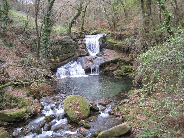 Cascada en la Fraga del Barragán en Fornelos de Montes