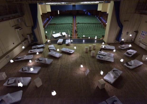 Buongiornolink - A teatro un B&B da sogno, tra nenie tisane e caffè