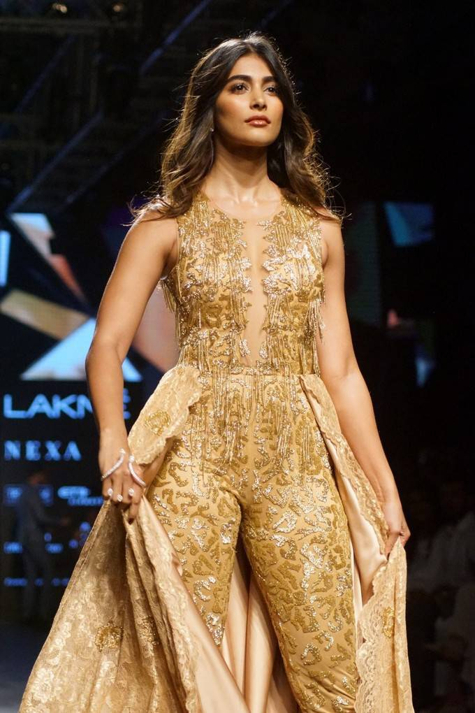 Pooja Hegde At LFW Winter Festive 2017 Stills