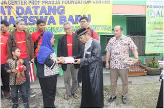 kunjungan malaysia ke ponpes al qtutub indonesia