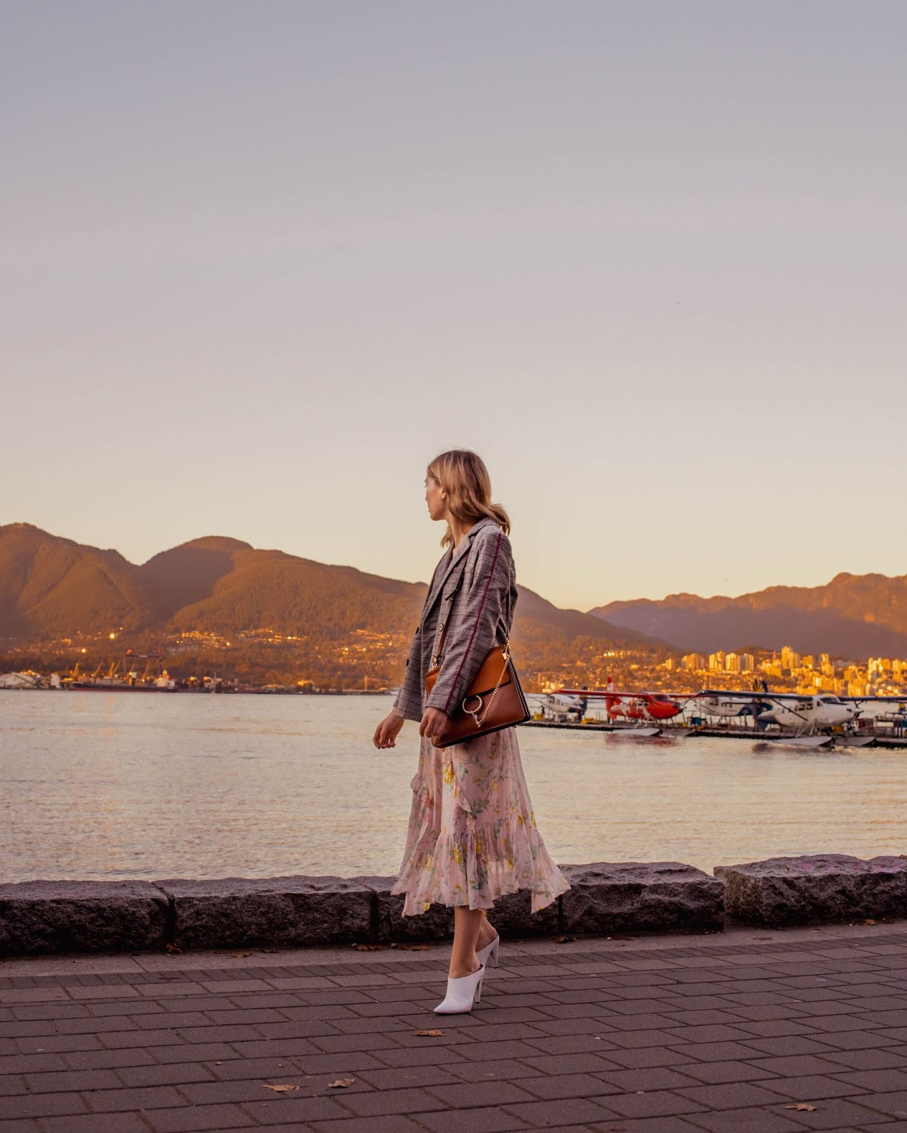 Camel tones, vancouver blogger, fall trends, fall 2018 trends, camel coat, cozy outfit for winter, fall outfit, fall style, canadian style, canadian fashion blogger, plaid blazer, fall dresses, chloe faye, marc fisher shoes, chriselle lim collection