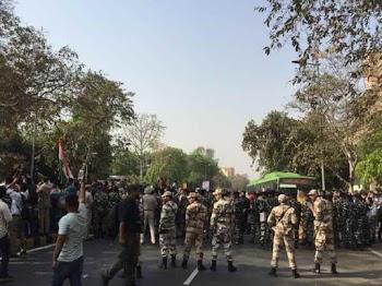 दिल्ली : SSC के 5 हजार छात्र सड़क पर, पुलिस ने किया लाठीचार्ज