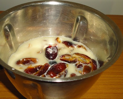 dates and coconut milk