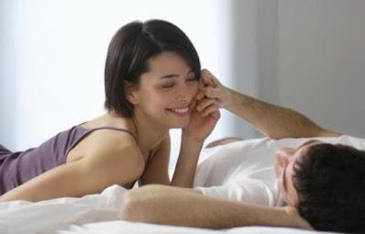 Tanda istri sedang ingin berhubungan seks