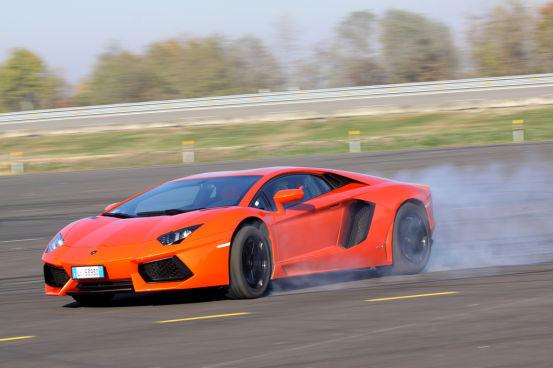 Lamborghini Aventador - The History Of The Fastest Car - 2017 Top Car Zone