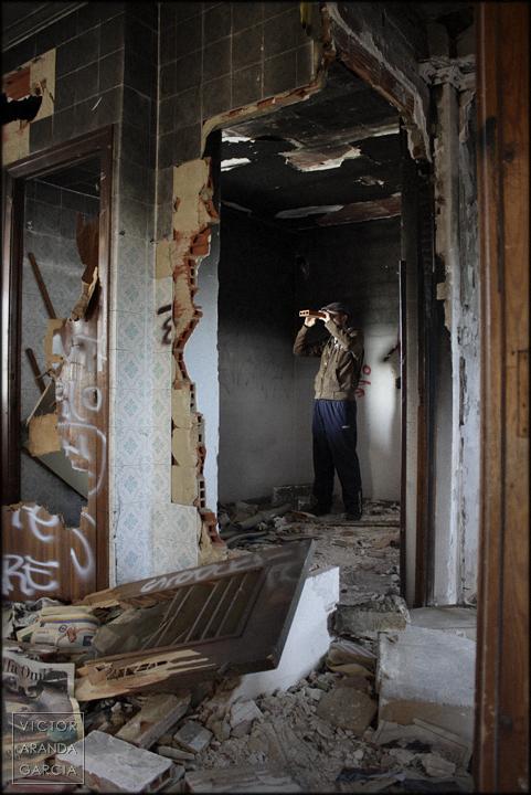 fotografía, retrato, ruina, crisis, España, Bétera, casa, ladrillo, Arriba_Extraña