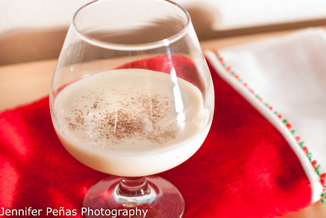 eggnog & coffee, christmas cocktail, eggnog, light rum, Kahlua, coffee liqueur