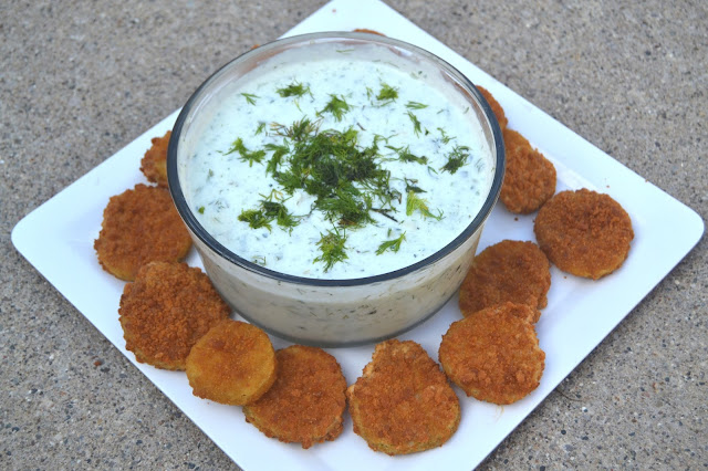 Fried Pickles with Dill Greek Yogurt Sauce
