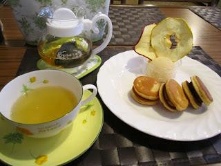 Towada Tomomika Sweets Plate (Refresh Nettle Tea) 十和田市 友実家スイーツプレート リフレッシュネトルハーブティー付き