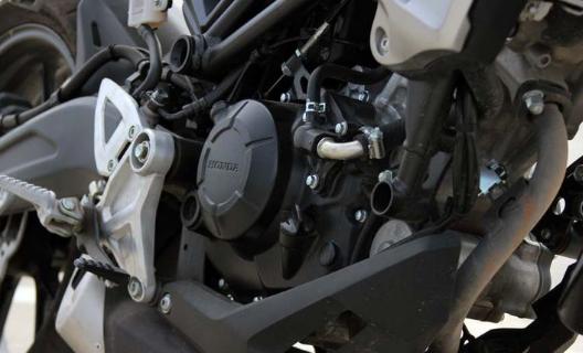 Bedah Spesifikasi Honda CB150R ExMotion beserta harga