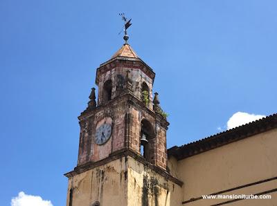 Reloj del Templo de la Compañía en Pátzcuaro, Michoacán