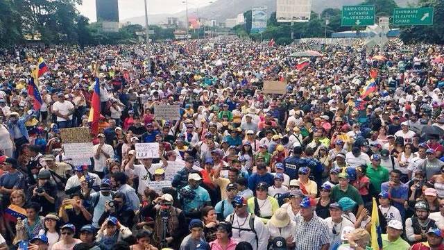 Oposición llamó a los venezolanos a rescatar la República