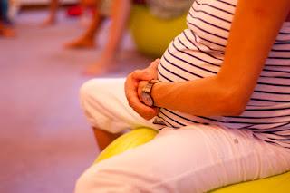 Sobre los peligros de usar cascos para que tu bebé escuche música en el embarazo