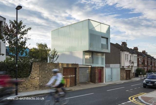 Casa residencial contemporánea entre medianeras en Reino Unido