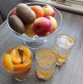 kompot brzoskwiniowy, kompot jabłkowy, owoce