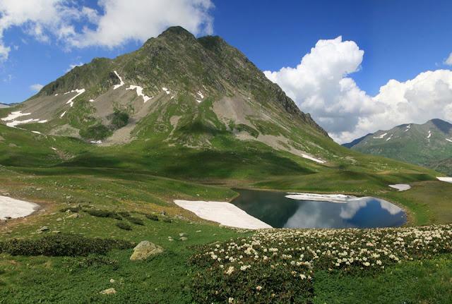 Озеро и пик Пришвина, Красная поляна, Сочи