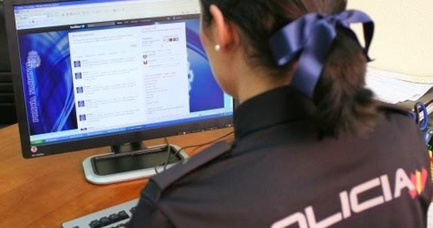Un agente de la Policía rastrea webs con contenido pedófilo