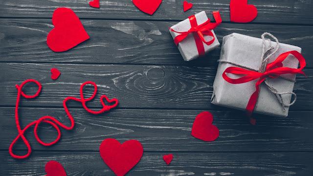 cuoricini, regali, pacchi,