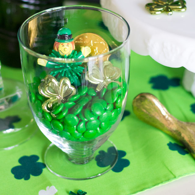 Simple St. Patricks Day craft idea - make a terrarium!