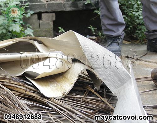 Bẹ dừa, lá dừa khô - Nguyên liệu Máy băm nghiền rơm rạ, bã mía 3A24Hp